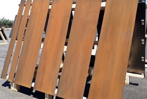 Quy trình xử lý màu bề mặt tấm thép corten kháng thời tiết